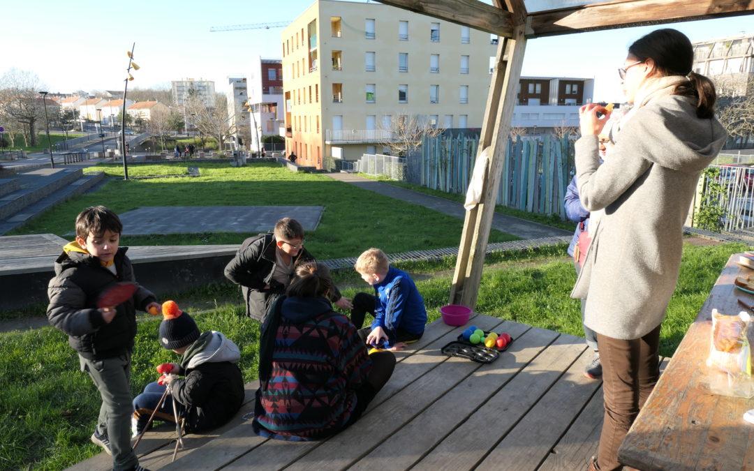 Des ateliers de rue ensoleillés aux Dervallières