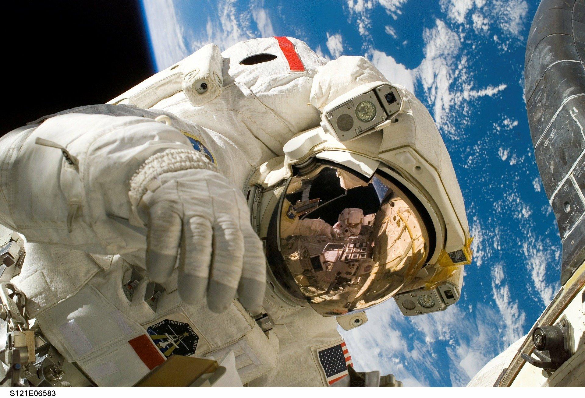 LORIENT- Vie dans l'espace (9 ans et +)